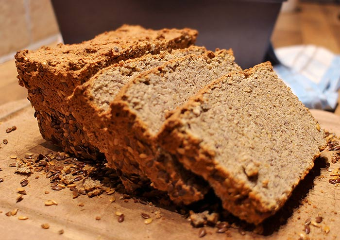 Low Carb Brot Rezept | Haselnuss-Leisamen-Brot