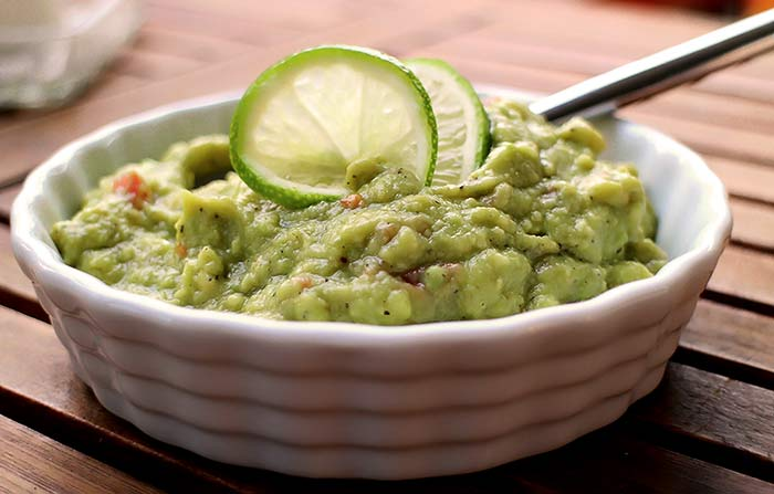 Low Carb Rezept | Avocado-Dip mit Limette