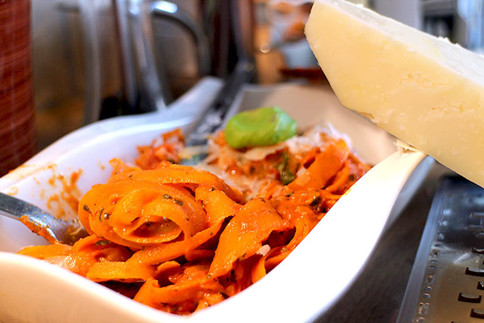 Low Carb Rezept | Karotten-Nudeln mit Tomatensauce