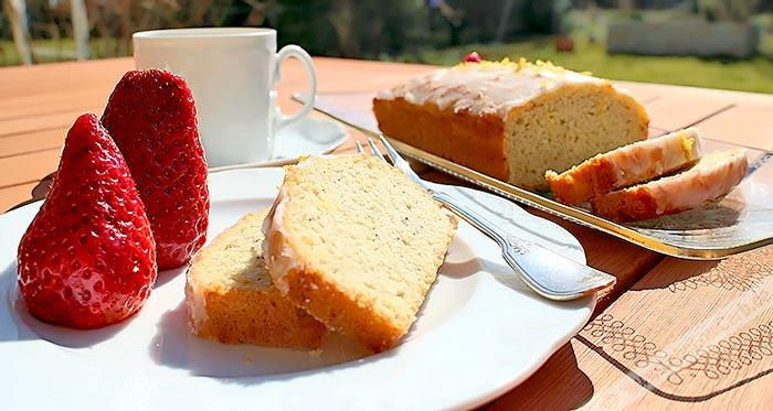 Low Carb Kuchen Rezept | Kokoskuchen mit Zitronenguss