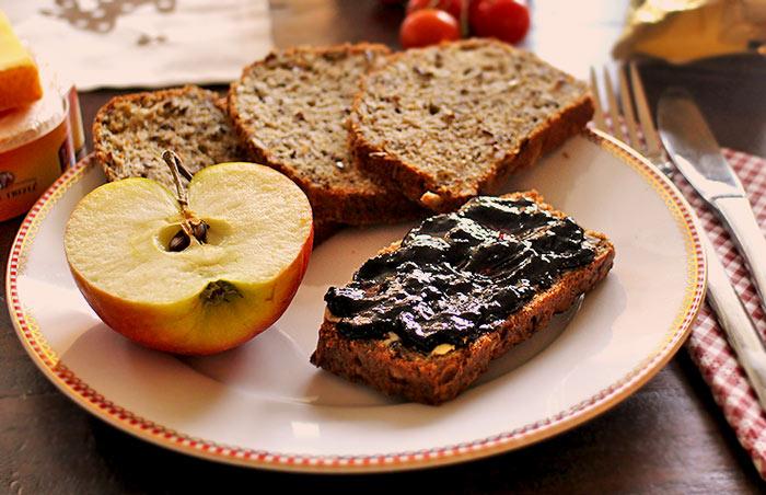 Low Carb Leinsamen-Sonnenblumenkern-Brot (Knusprig)