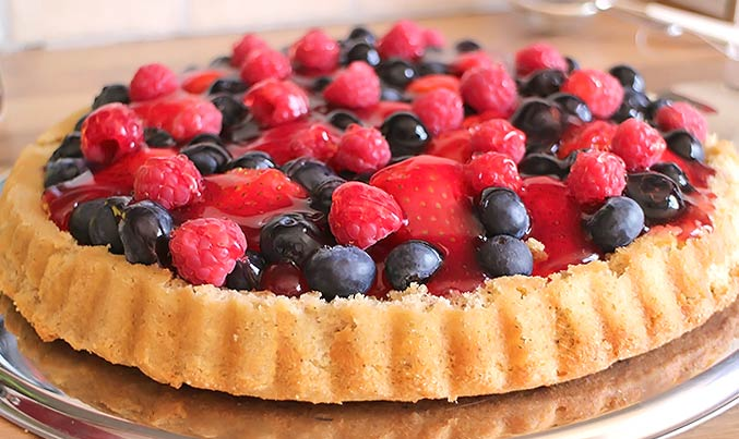 Low Carb Rezept - Beeren-Obstkuchen