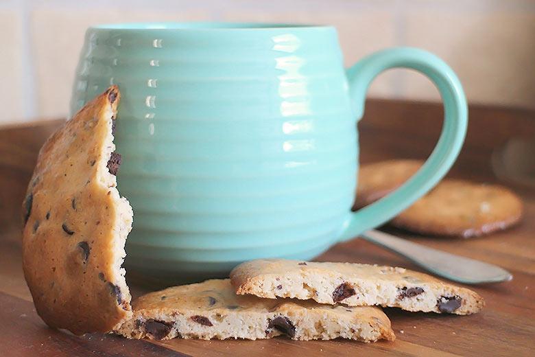 Low Carb Haselnuss-Schoko-Cookies