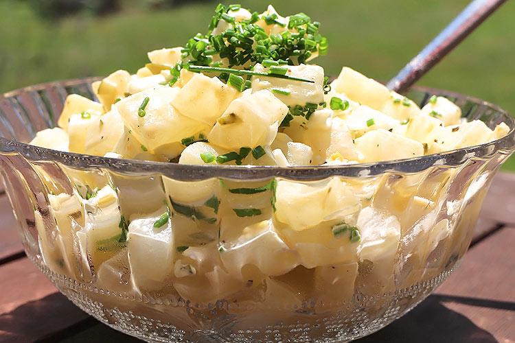 """Feiner Kohlrabisalat - """"Falscher Low Carb Kartoffelsalat"""""""